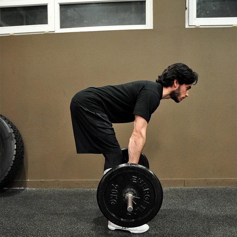 Programme musculation maison pour débutant - Soulevé de terre jambes tendues 2