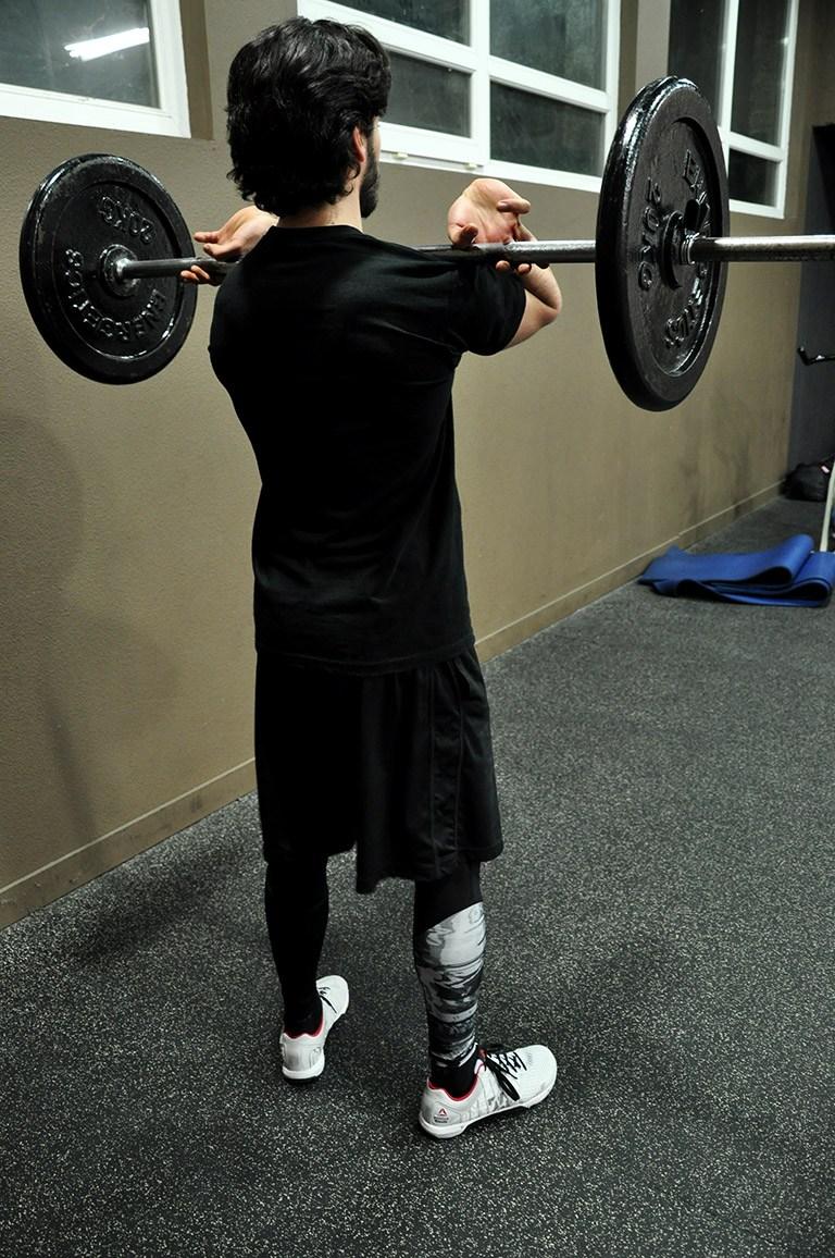 Front squat – Position de départ