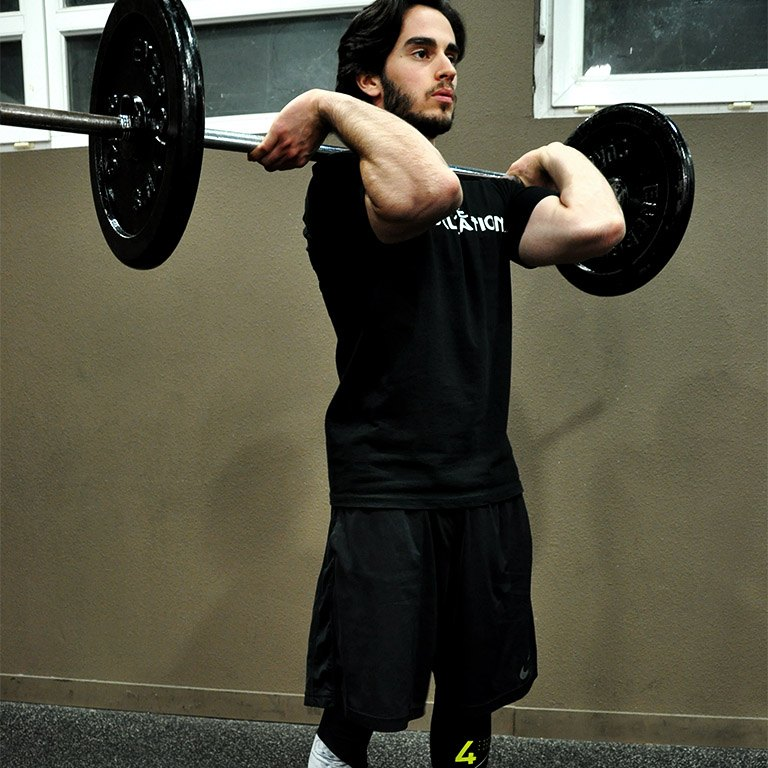 Front squat – Monter la barre