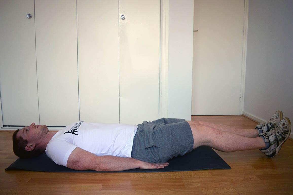 Programme musculation maison pour débutant - Crunch inversé 1