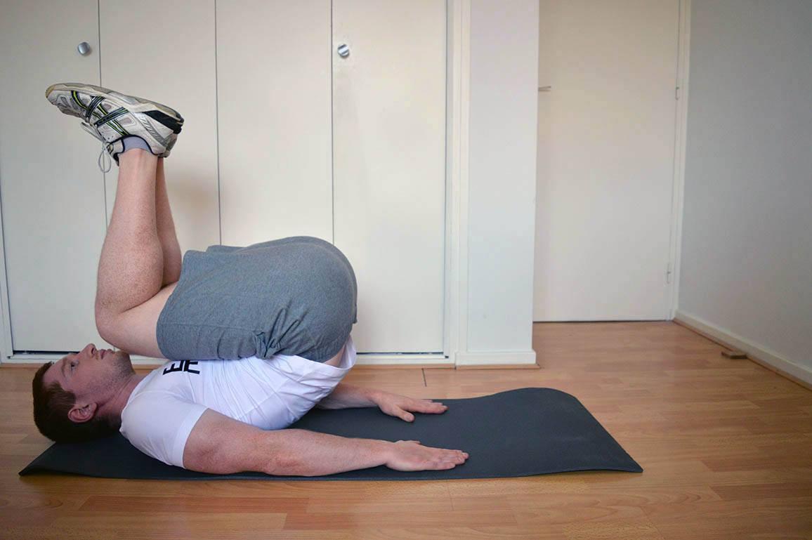 Programme musculation maison pour débutant - Crunch inversé 2