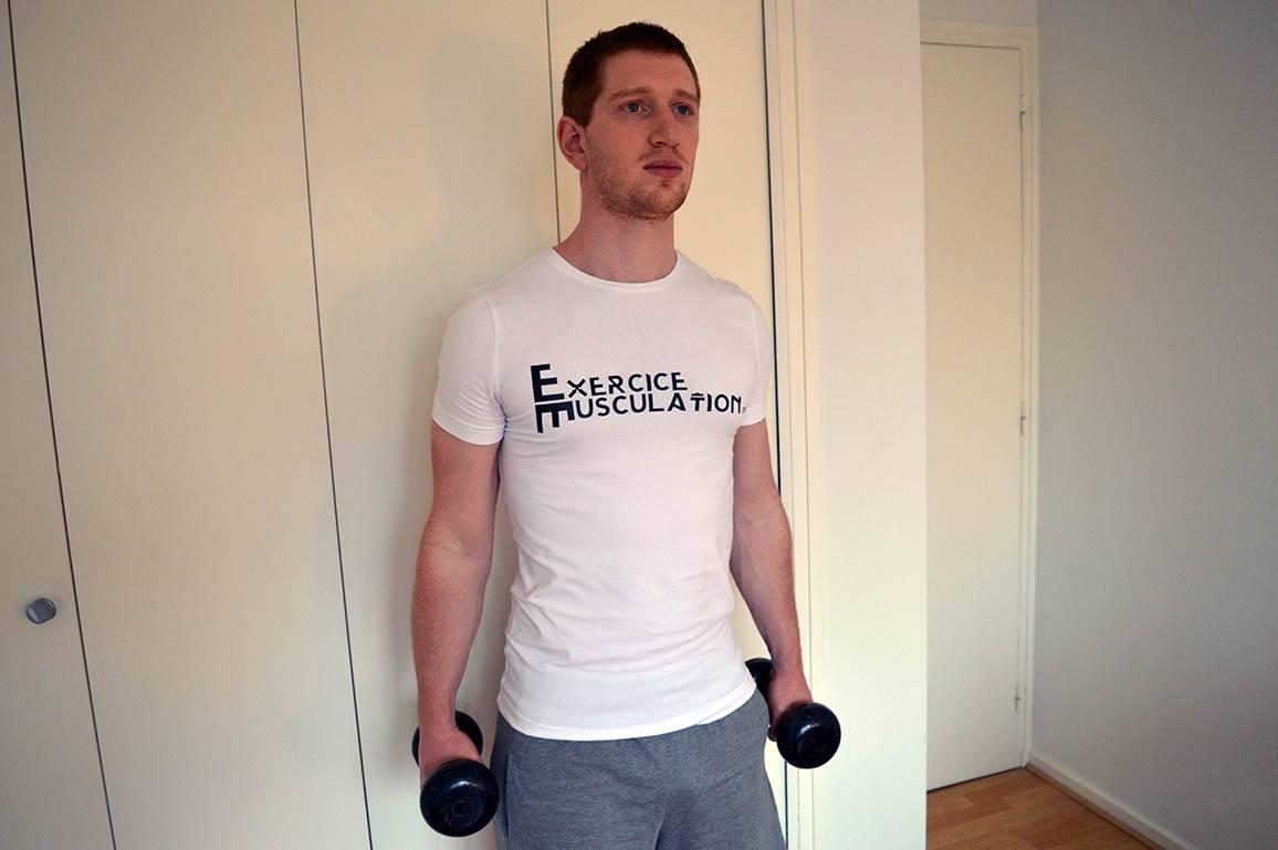 Programme musculation maison pour débutant - Curl marteau 1