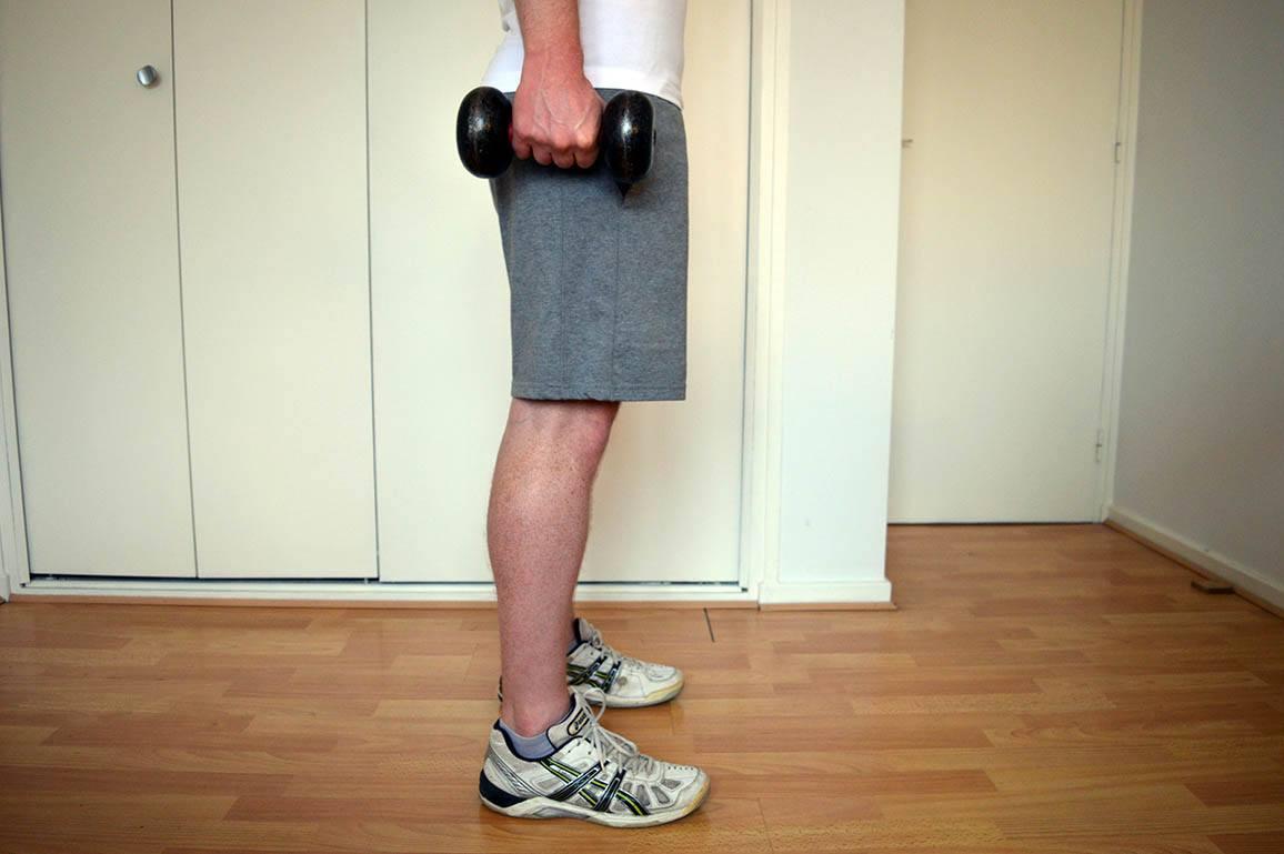 Programme musculation maison pour débutant - Mollets debout 1