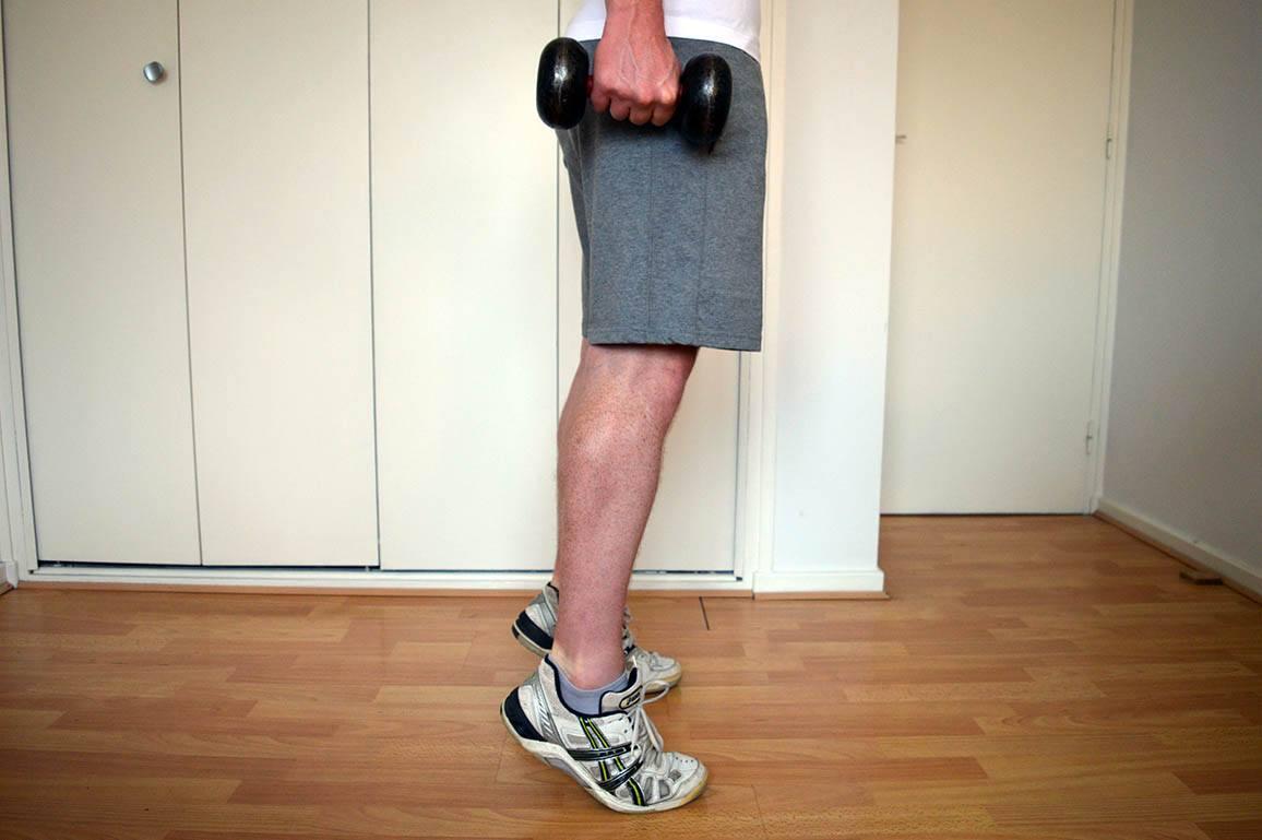Programme musculation maison pour débutant - Mollets debout 2