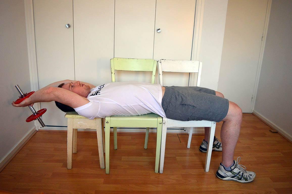 Programme musculation maison pour débutant - Pull-over 2