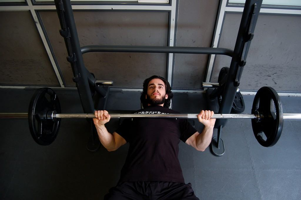 Écarté couché - Dumbbell flyes | Fitness Heroes