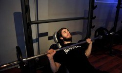 Développé incliné – Incline barbell bench press
