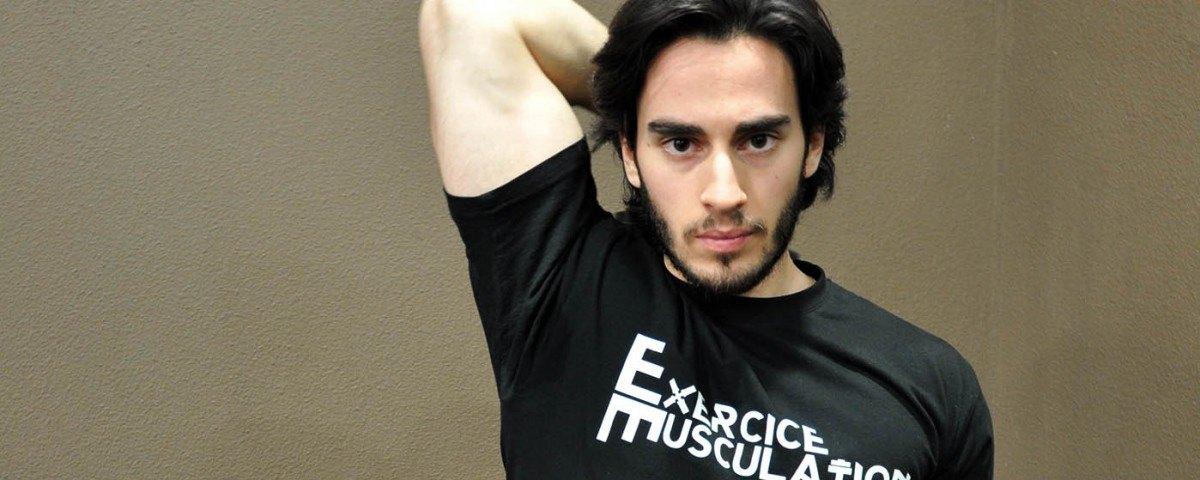 Extension verticale à une main avec haltère - dumbbell one-arm triceps extension