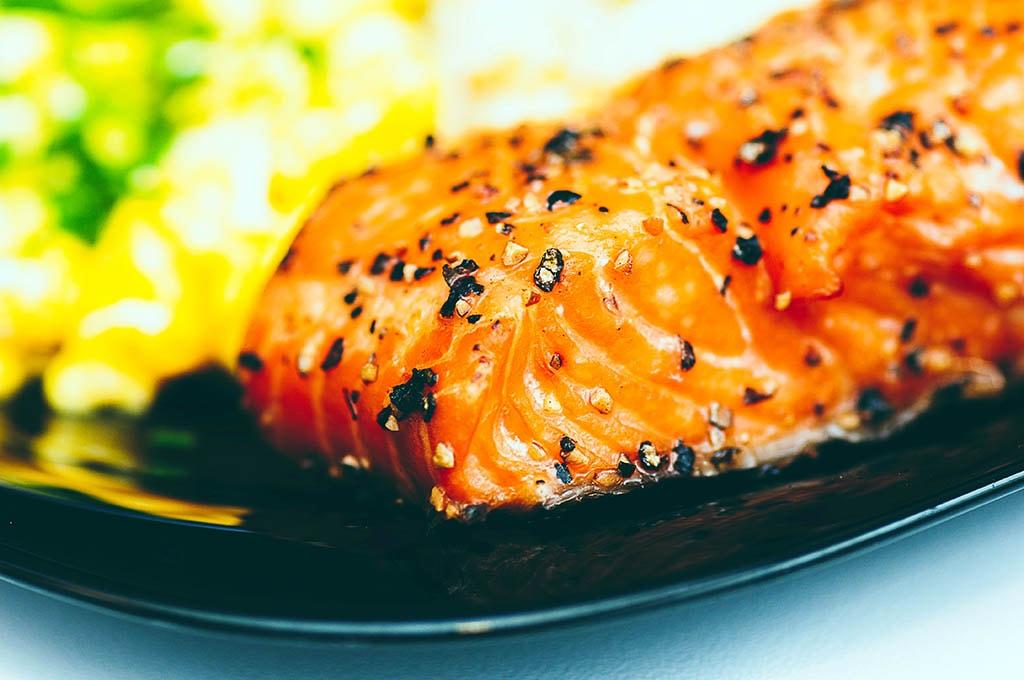 Morceau de saumon, un aliment riche en vitamine D