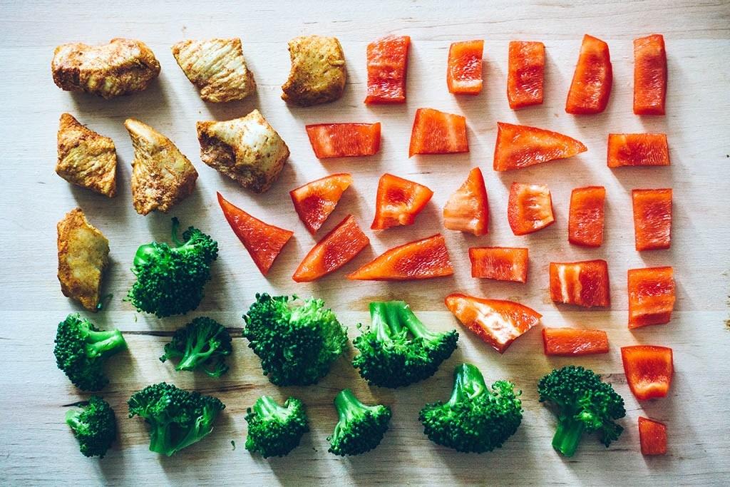 Des aliments naturels non transformés pour le petit déjeuner