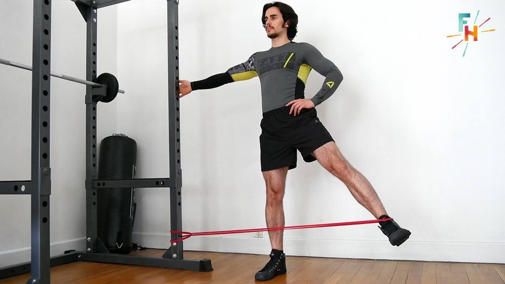 Abduction de la hanche debout avec élastique
