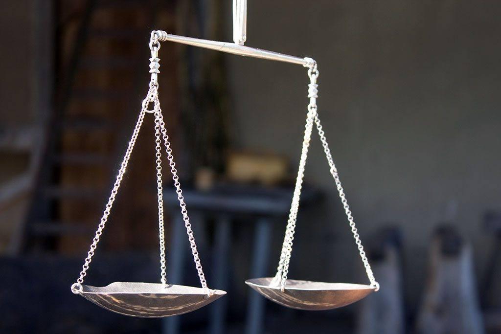 Une balance illustre le mauvais ratio entre omégas 3 et 6